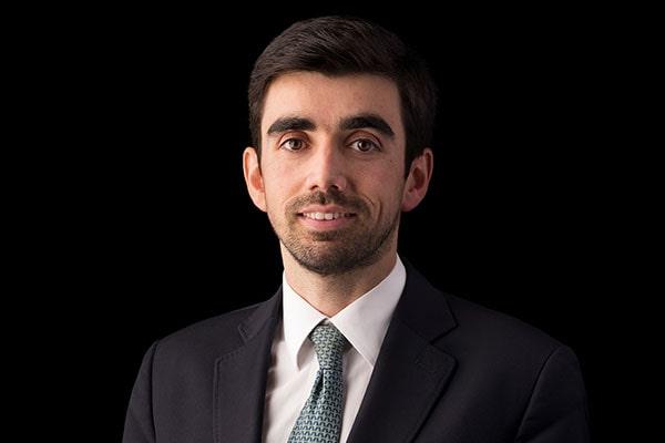 Мануэль Феррейра Мендес рассказывает нам, как живется адвокату в Португалии.