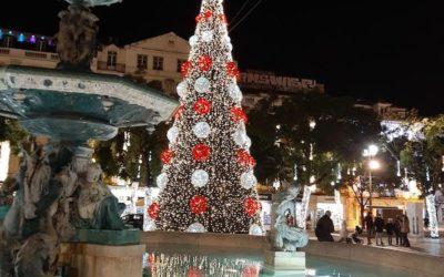 Рождественские огни украшают Лиссабон