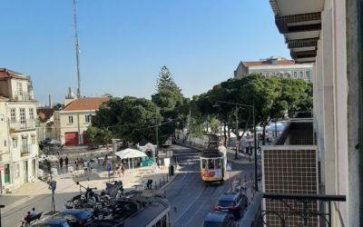 Посетите Граса, один из самых типичных районов Лиссабона.